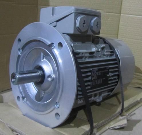 Silnik SIEMENS 3 fazowy 3kW 1420 obr/min 1LE1002-1AB52-2FA4-Z (1LA7107-4AA11) KOŁNIERZOWY B-5